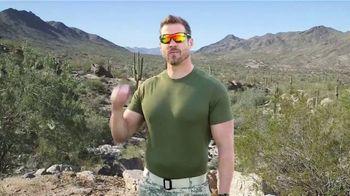 Bell + Howell Tac Glasses TV Spot, 'No Ordinary Glasses: Night Vision' - Thumbnail 1