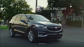 2018 Buick Enclave TV Spot, 'Dog Walker' Song by Matt and Kim [T2] - Thumbnail 7