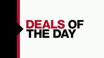 Macy's One Day Sale TV Spot, 'Deals of the Day: Jewelry and Comforters' - Thumbnail 3