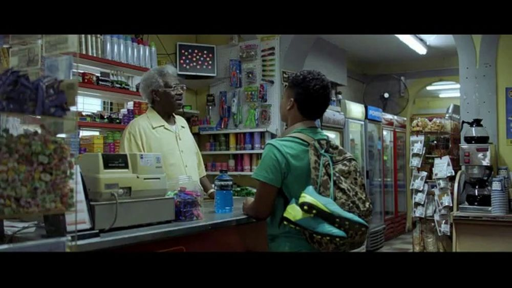 Powerade Mountain Berry Blast TV Commercial, 'That's Some Kind of Power: Movie'