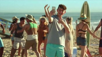 T-Mobile TV Spot, 'Busted' Song by Jax Jones - Thumbnail 3