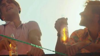 Cerveza Sol TV Spot, 'Brewed to Shine' Song by Amandititita - Thumbnail 2