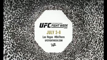 Ultimate Fighting Championship (UFC) Fight Week TV Spot, 'Fan Experience'