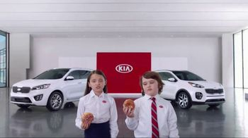 Kia America's Best Value Summer Event TV Spot, 'Donuts' - Thumbnail 2