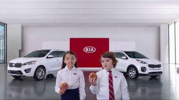 Kia America's Best Value Summer Event TV Spot, 'Donuts' - Thumbnail 3