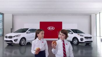 Kia America's Best Value Summer Event TV Spot, 'Donuts' - Thumbnail 5
