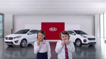 Kia America's Best Value Summer Event TV Spot, 'Donuts: What You Need' [T2] - Thumbnail 7