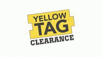 Lumber Liquidators Yellow Tag Clearance TV Spot, 'Bellawood' - Thumbnail 6