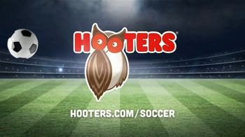 Hooters TV Spot, 'Buddies Soccer: Hero' - Thumbnail 8