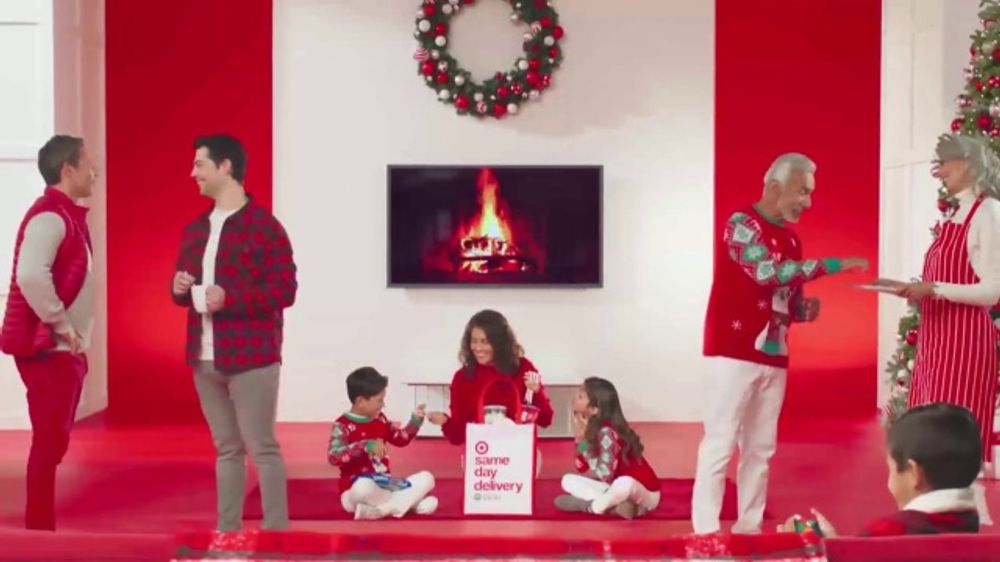 Target Christmas Commercial 2018.Target Tv Commercial All The Ways Holidays Shipping Song By Meghan Trainor Video