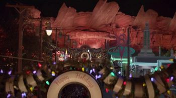 Disneyland TV Spot, 'Where the Holidays Begin' Song by Andy Williams - Thumbnail 6
