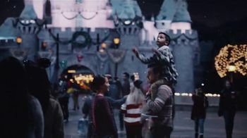 Disneyland TV Spot, 'Where the Holidays Begin' Song by Andy Williams - Thumbnail 7