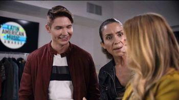 Denny's Super Slam TV Spot, 'Telemundo: panqueques de calabaza' con Christian Acosta [Spanish] - Thumbnail 4
