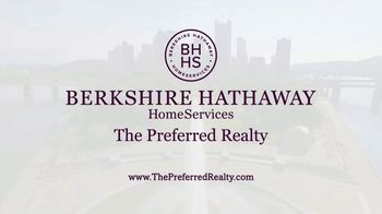 Berkshire Hathaway TV Spot, 'Your Own Backyard' - Thumbnail 9