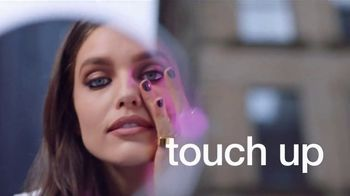 Maybelline New York SuperStay Foundation Stick TV Spot, 'Cover & Conceal' - Thumbnail 7