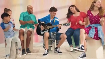 JCPenney TV Spot, 'Family Deal: 50% Off Clothing' - Thumbnail 7