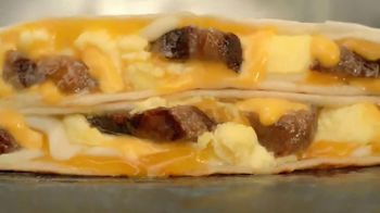 Taco Bell $2 Steak & Egg Stacker TV Spot, 'Three Layers High' - Thumbnail 4