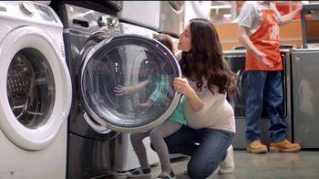 The Home Depot Labor Day Savings TV Spot, 'Lavadora y secadora' [Spanish] - Thumbnail 3