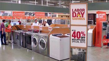 The Home Depot Labor Day Savings TV Spot, 'Lavadora y secadora' [Spanish] - Thumbnail 5