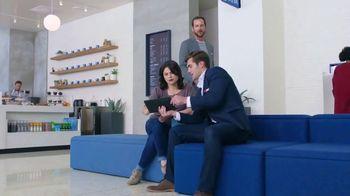 Capital One Cafés TV Spot, 'Hall of Mirrors' - Thumbnail 6