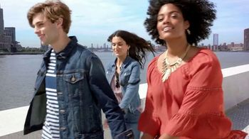 Macy's Labor Day Sale TV Spot, 'Fall Styles' - Thumbnail 10