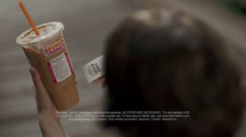Dunkin' Donuts Sip Peel Win TV Spot, 'Tweet' - Thumbnail 3