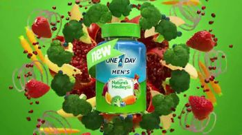 One A Day Men's With Nature's Medley TV Spot, 'Fruits and Vegetables' - Thumbnail 4
