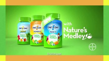 One A Day Men's With Nature's Medley TV Spot, 'Fruits and Vegetables' - Thumbnail 7