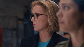 Anthem Blue Cross and Blue Shield TV Spot, 'Moving' Featuring Téa Leoni - Thumbnail 5