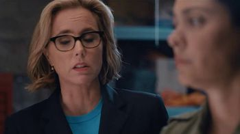 Anthem Blue Cross and Blue Shield TV Spot, 'Moving' Featuring Téa Leoni - Thumbnail 6