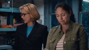 Anthem Blue Cross and Blue Shield TV Spot, 'Moving' Featuring Téa Leoni - Thumbnail 7