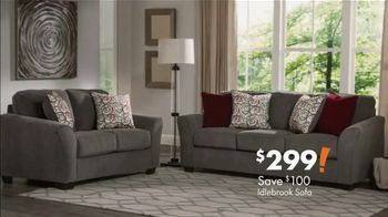 Big Lots Big Labor Day Sale TV Spot, 'Loveseats, Sofas and Sectionals' - Thumbnail 4