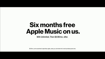 Verizon Unlimited TV Spot, 'BBQ Jams: Note9' Featuring Thomas Middleditch - Thumbnail 9
