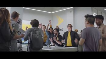 Sprint TV Spot, 'Evelyn Plays Fortnite' - Thumbnail 7