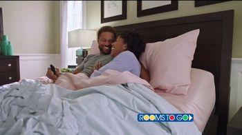 Rooms to Go TV Spot, 'Una gran noche de sueño' [Spanish] - Thumbnail 4