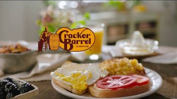 Cracker Barrel Daily Delights Menu TV Spot, 'Biscuit French Toast' - Thumbnail 1