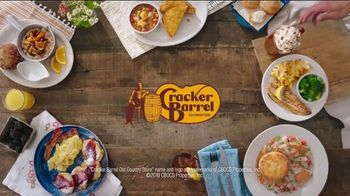 Cracker Barrel Daily Delights Menu TV Spot, 'Biscuit French Toast' - Thumbnail 9