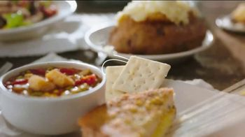 Cracker Barrel Daily Delights Menu TV Spot, 'Biscuit French Toast' - Thumbnail 3