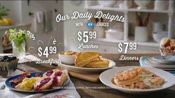 Cracker Barrel Daily Delights Menu TV Spot, 'Biscuit French Toast' - Thumbnail 7