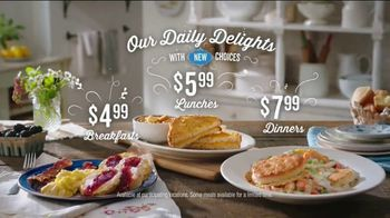 Cracker Barrel Daily Delights Menu TV Spot, 'Biscuit French Toast' - Thumbnail 8