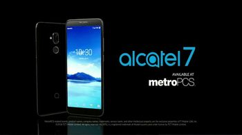 Alcatel 7 TV Spot, 'Entertain More' - Thumbnail 7