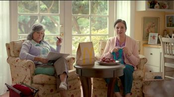 McDonald's Sweet 'N Spicy Honey BBQ Tenders TV Spot, 'Suéter' [Spanish] - Thumbnail 2