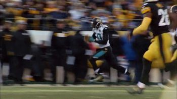 Hyundai TV Spot, 'NFL: The Impossible Made Possible' [T1] - Thumbnail 9