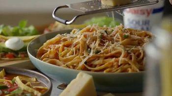 Daisy Sour Cream TV Spot, 'Concierto en tu cocina' [Spanish]