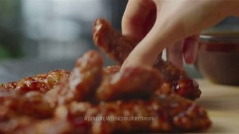 McDonald's Sweet N' Spicy Honey BBQ Glazed Tenders TV Spot, 'Sweater' - Thumbnail 9