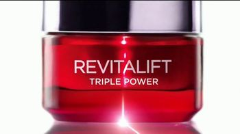 L'Oreal Paris Revitalift Triple Power TV Spot, 'Escépticas' [Spanish] - Thumbnail 3