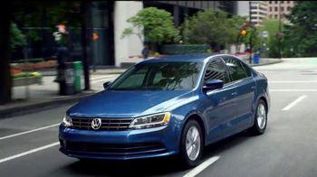 Volkswagen Memorial Day Deals TV Spot, 'Bear' Song by Grouplove [T2] - Thumbnail 6