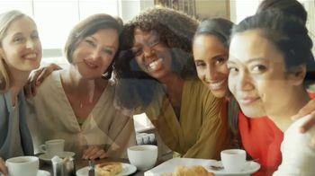 Clorox TV Spot, 'Univision: entre amigas' con Maggie Jimenez [Spanish] - Thumbnail 3
