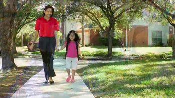 Clorox TV Spot, 'Univision: entre amigas' con Maggie Jimenez [Spanish] - Thumbnail 9