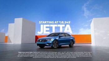 2019 Volkswagen Jetta TV Spot, 'Bumper-to-Bumper' Song by Gryffin [T1] - Thumbnail 9